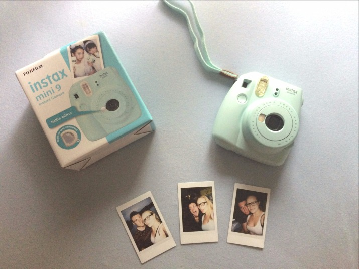 polaroid camera fujifilm instax mini 9