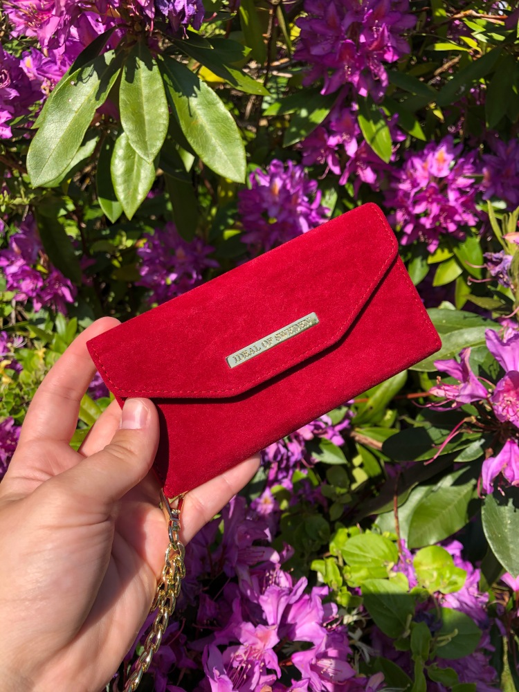 velvet clutch ideal of sweden